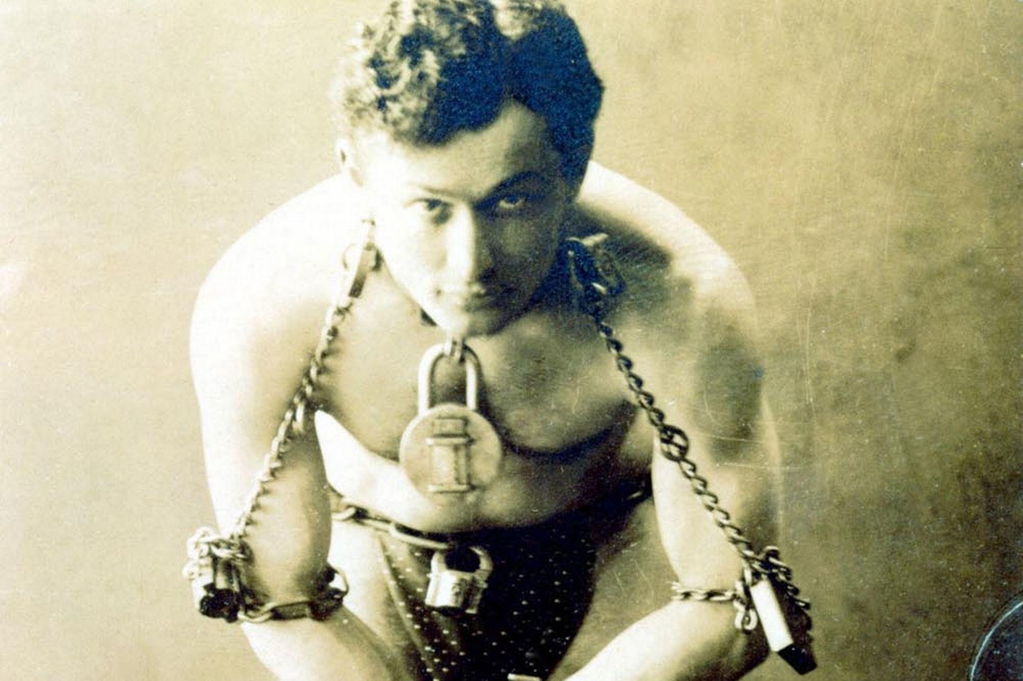 "Harry Houdini's Birthday the ""Magic"" Behind - STEMJOBS"